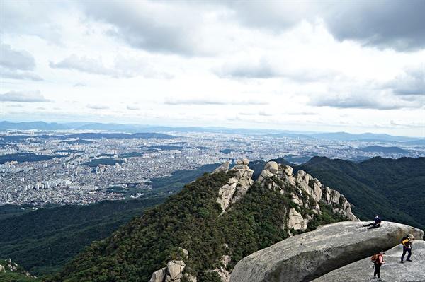 만경대와 서울시내 풍경