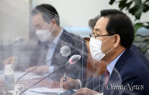 국민의힘 주호영 원내대표가 24일 서울 여의도 국회에서 열린 비상대책위원회의에서 발언하고 있다.