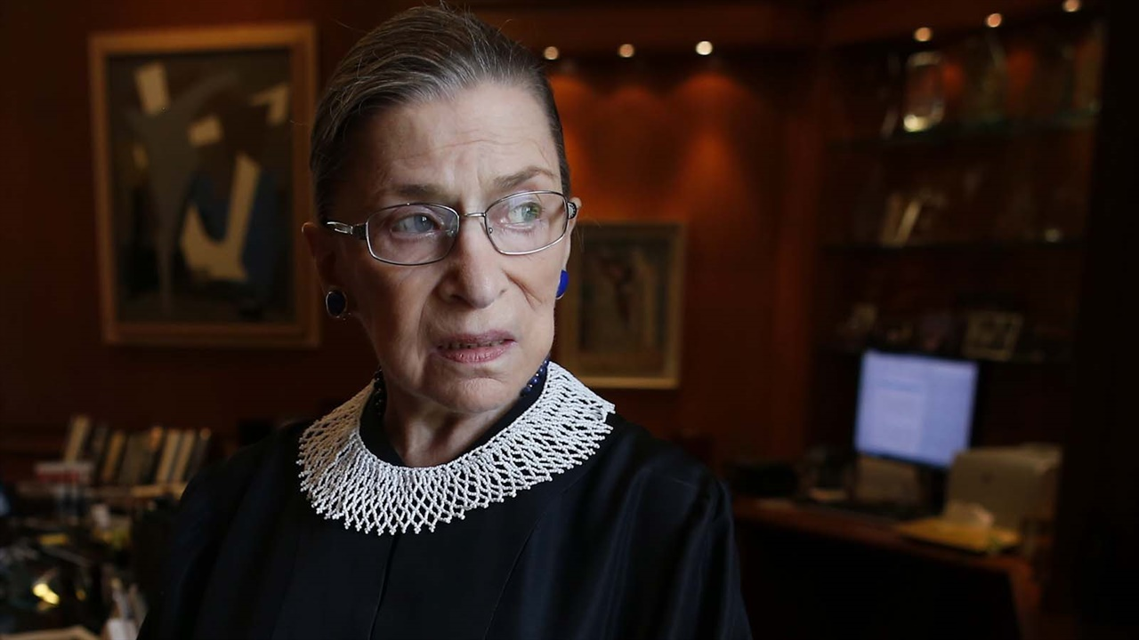 다큐 영화 <루스 베이더 긴즈버그 : 나는 반대한다>의 긴즈버그 전 미국 연방 대법관