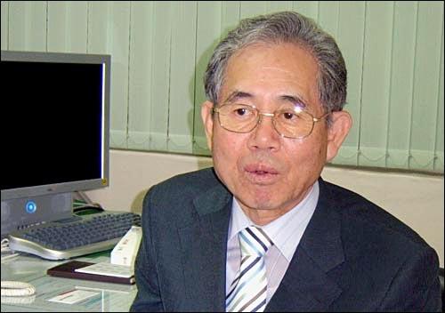 오송회 사건으로 강제해직됐다 24년 만에 복직한 조성용씨.