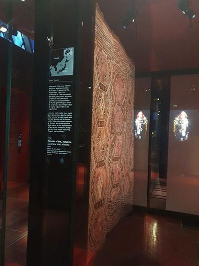 프랑스 국립인류사박물관에 전시돼있는 지도에 한국이 중국영토로, 동해가 일본해로 표기돼있다.