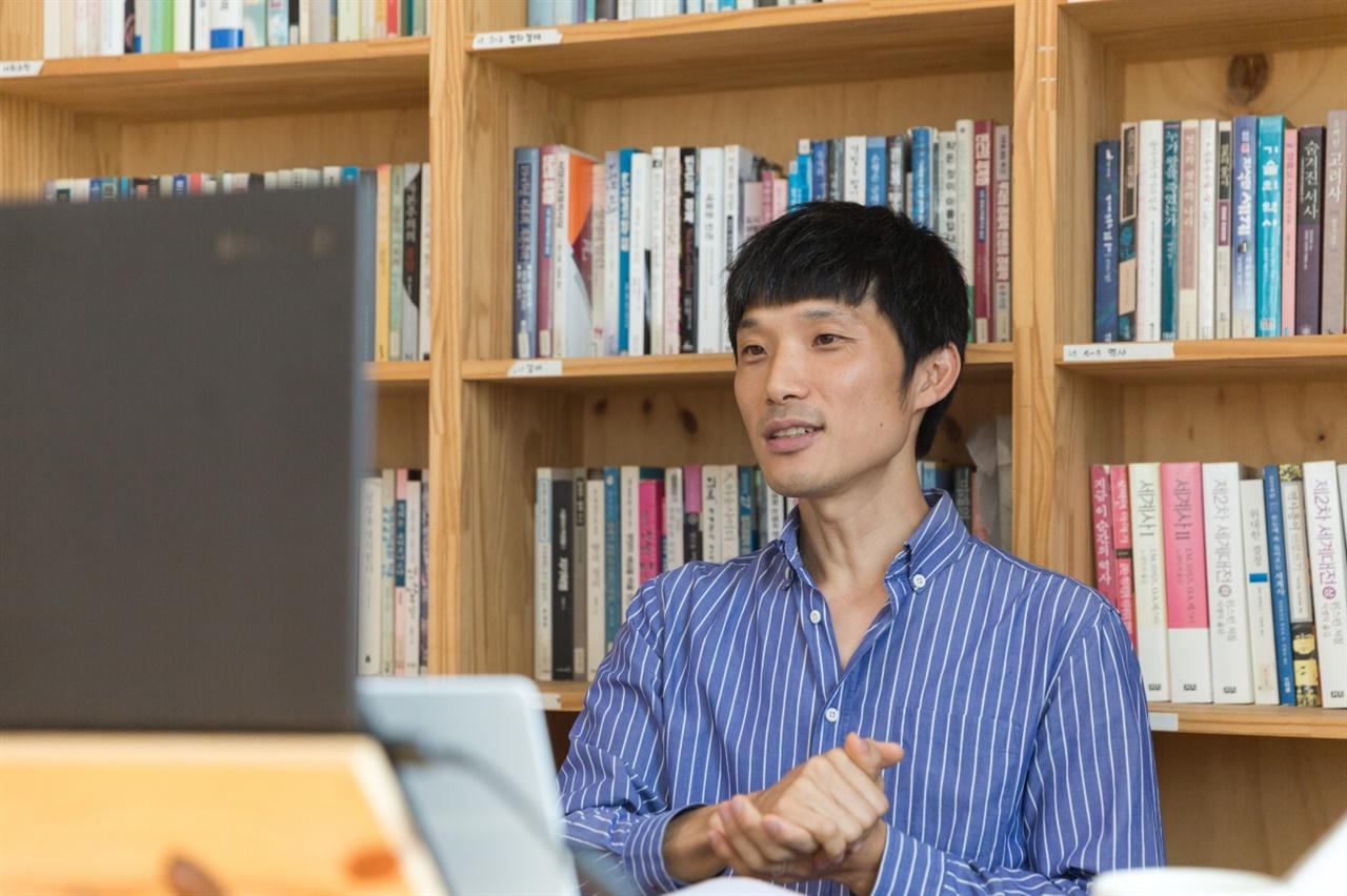 오닉스 인사이트에서 일하는 15년차 엔지니어 신원 님이 강의를 이끌었다.