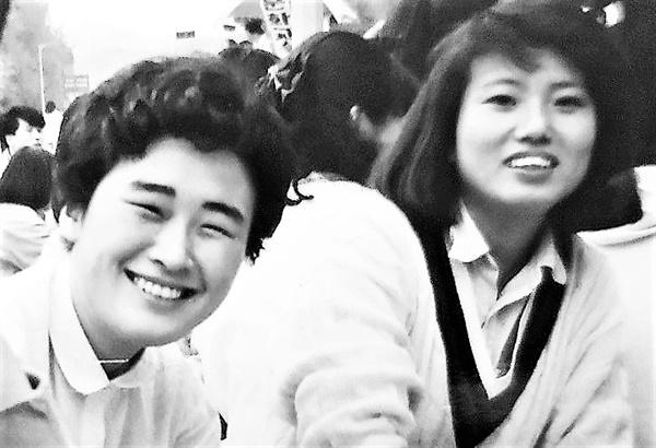 영화마당우리, 여성영상집단 바리터 등에서 함께 활동했던 고 이언경(왼쪽)과 허현숙