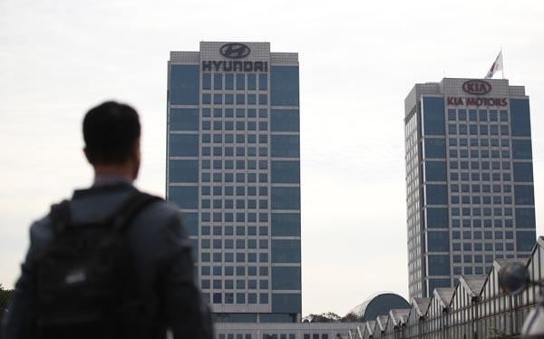 현대차그룹 20년 만에 총수 교체  정의선 현대차그룹 수석부회장이 회장으로 선임된 14일 오전 서울 양재동 현대자동차 본사의 모습.