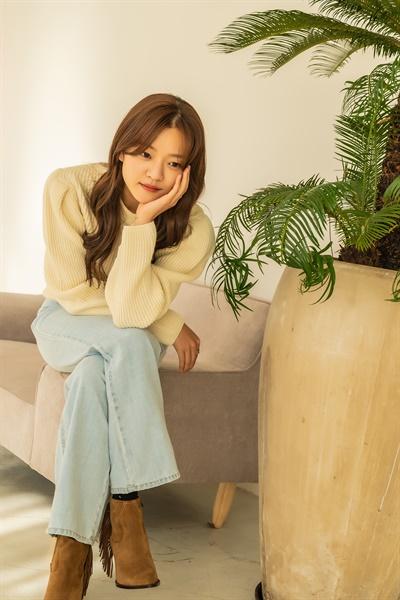 영화 <삼진그룹 영어토익반> 자영 역의 배우 고아성.