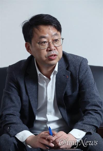 박홍배 더불어민주당 최고위원이 16일 서울 여의도 국회에서 <오마이뉴스>와 인터뷰하고 있다.