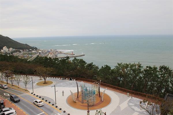 부산 달맞이 고개 정상부에서 바라다 본 청사포 해안가 모습