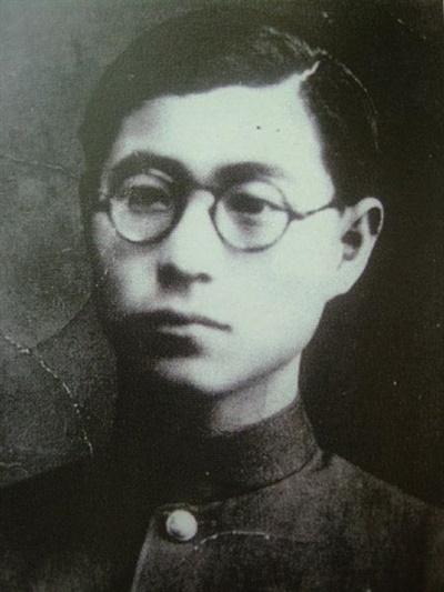 고종사촌이자 좋은 친구였던 송몽규