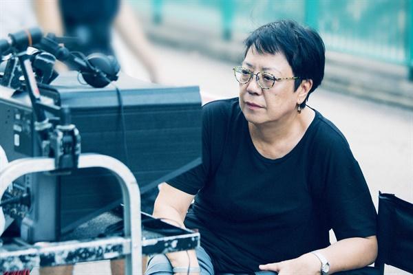 제25회 부산국제영화제 개막작인 <칠중주: 홍콩 이야기>의 허안화 감독.