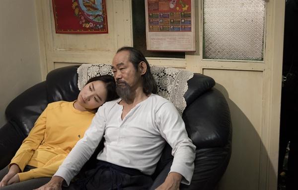 제25회 부산국제영화제 개막작 <칠중주: 홍콩 이야기>의 한 장면.