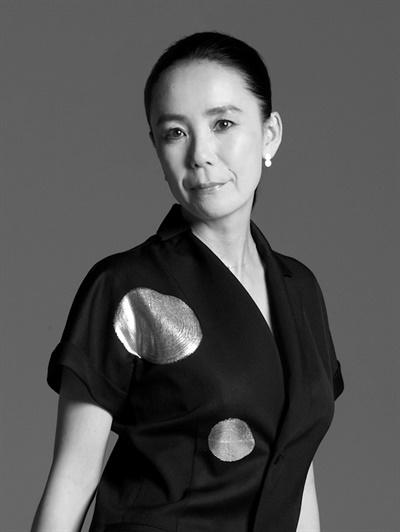 영화 <트루 마더스>의 가와세 나오미 감독.