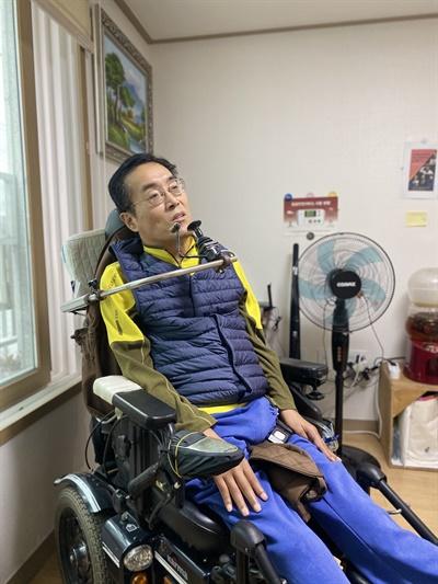 신정훈씨 21일 <오마이뉴스>와 만난 정훈씨는 시설을 '지옥'에 비유했다.