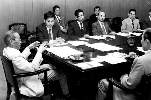 1978년 해외사업추진위원회에 배석한 이건희 회장.