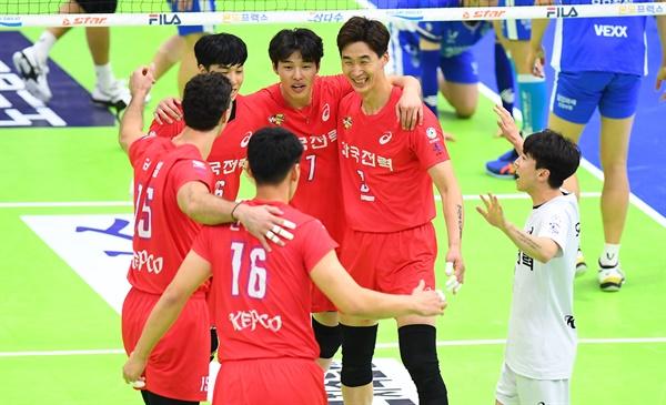 한국전력, 2020-2021시즌 V리그 경기... 수원 실내체육관 (2020.10.18)