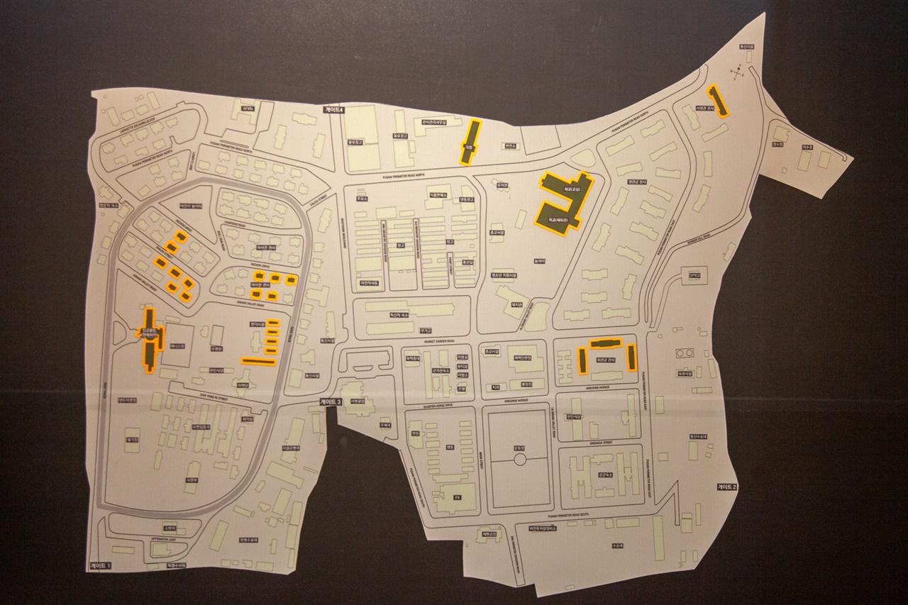 하야리아 기지를 빼곡히 채우고 있던 380여 개의 건물 중 24개(주황색 표시)만 현재 공원에 남아 있다. 공원 곳곳에서 미군 기지의 흔적을 찾아볼 수 있다.