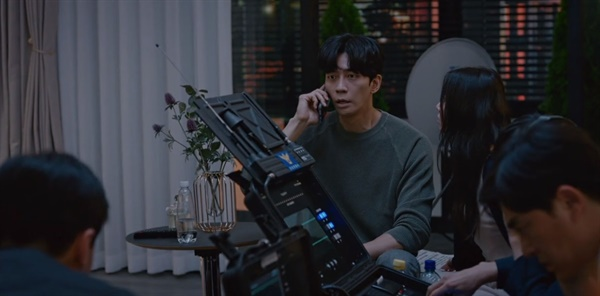 MBC 새 월화드라마 <카이로스>의 한 장면