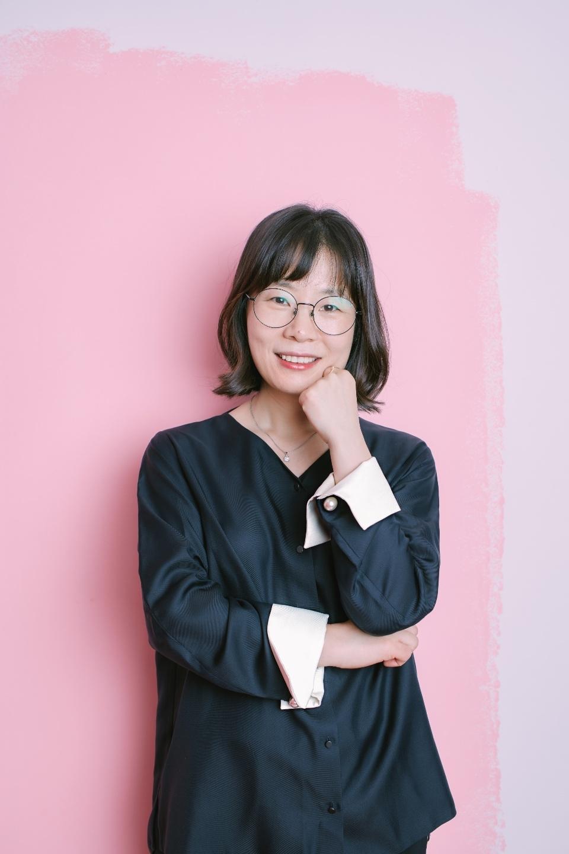 배지영 작가는 2018년 11월 상주작가를 시작하면서 에세이 쓰기반을 만들었다.