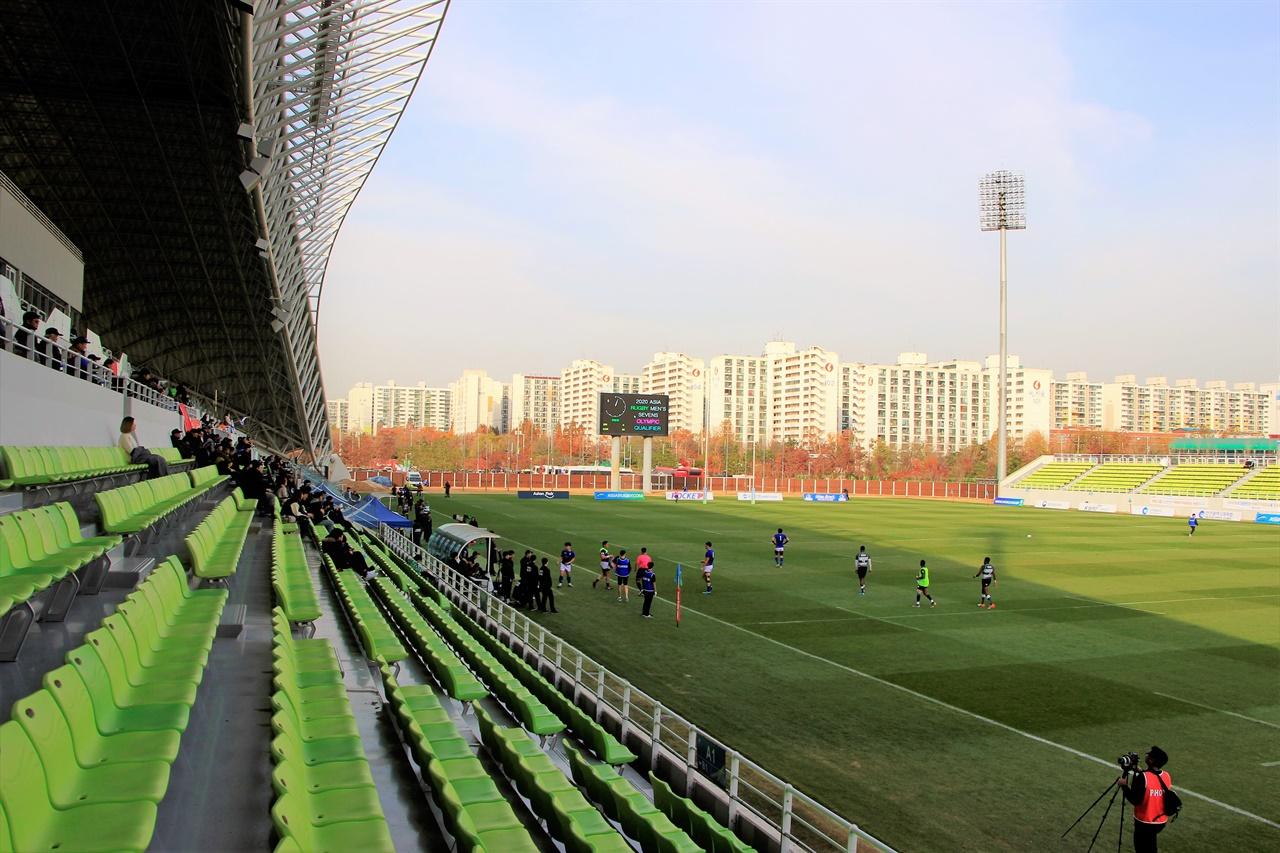 인천 남동아시아드럭비경기장의 모습. 남동럭비장에서 근 1년만에 실업팀이 참여하는 럭비 대회가 개최된다.