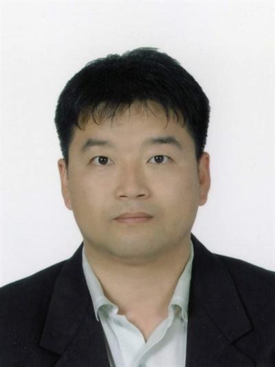 박용식 경상대 교수(국어국문학).