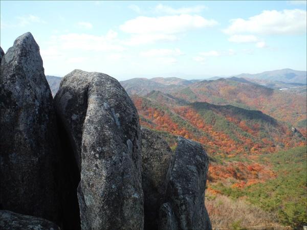경남 합천 남산제일봉(1010m) 정상에서.