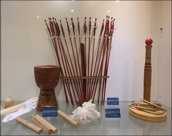 전통놀이 기구 전통놀이 기구들(재미난박물관 출품작)