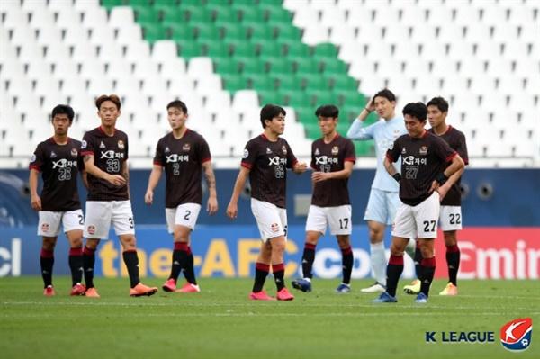 FC서울 FC서울이 베이징 궈안과의 아시아 챔피언스리그 3차전에서 졸전 끝에 1-2로 패했다.