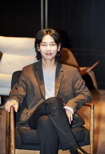 영화 <럭키 몬스터>에서 도맹수 역을 맡은 배우 김도윤.