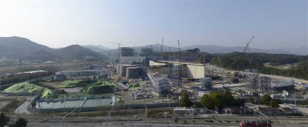 삼성물산이 강릉시 강동면 안인리 해변에 건설하고 있는 2,080MW 석탄화력발전소