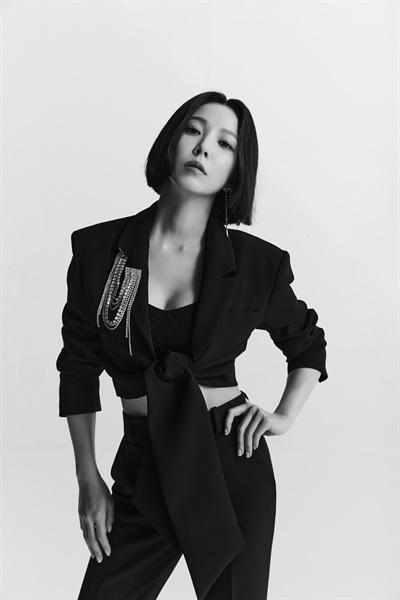 보아, 20주년 앨범 'BETTER(베터)'  보아, 20주년 앨범 < BETTER(베터) >