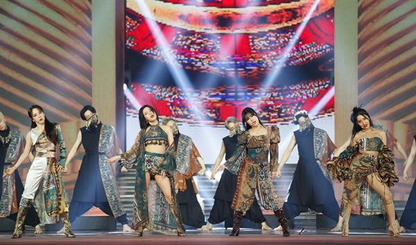 'MAMA' 마마무, 마마니까 마마무! 마마무가 6일 오후 열린 '2020 MAMA(Mnet ASIAN MUSIC AWARDS)'에서 공연을 하고 있다.