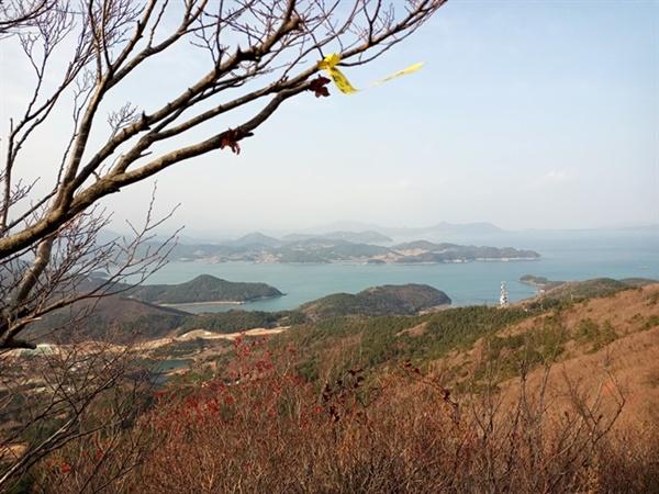다도해 풍경 고흥 봉래산에서 본 다도해 풍경입니다. 그야말로 물 반 섬 반입니다.