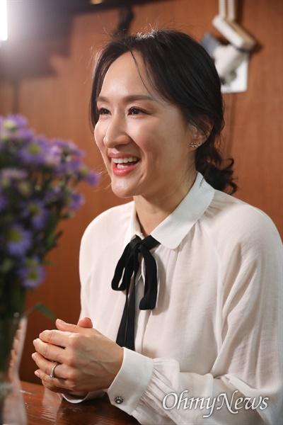 <작은 가게에서 진심을 배우다>의 저자인 김윤정 '고기리막국수' 대표.