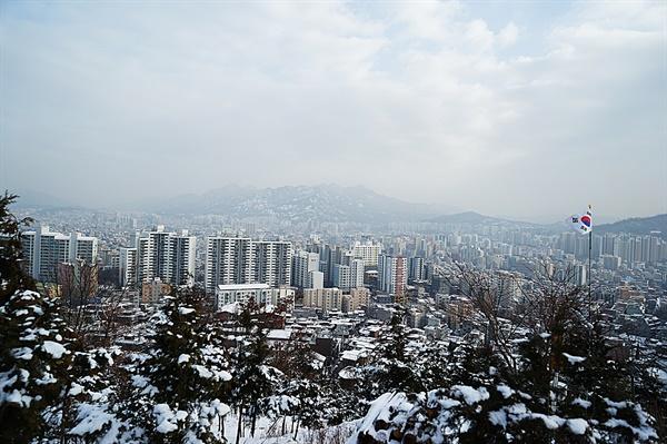 봉산에서 바라본 북한산