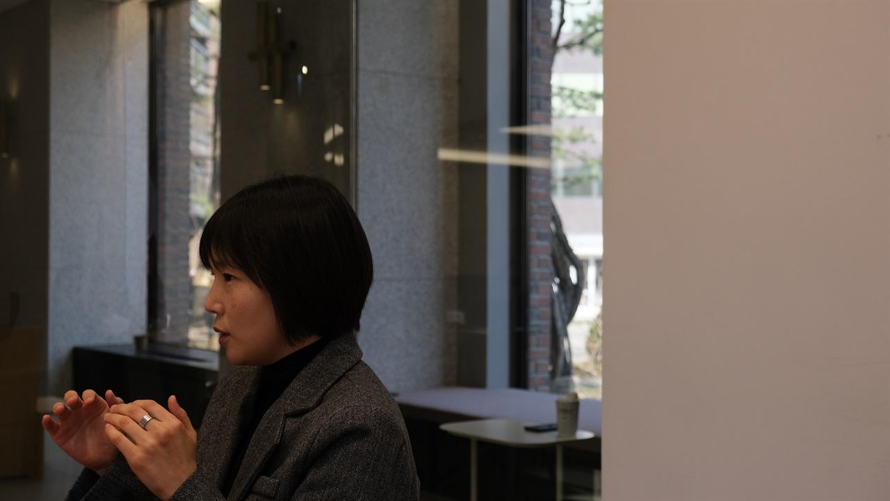 동물권 에세이집 출간한 박소영 TV조선 기자