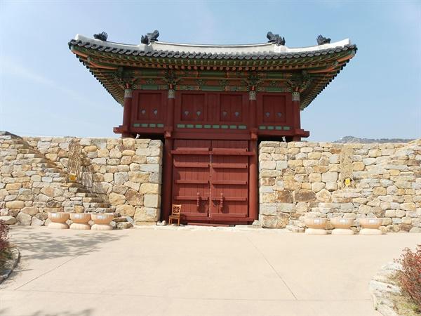 김해읍성 북문.
