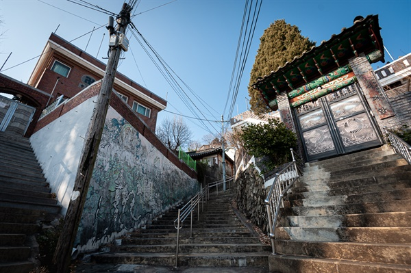 인왕산, 국사당, 선바위