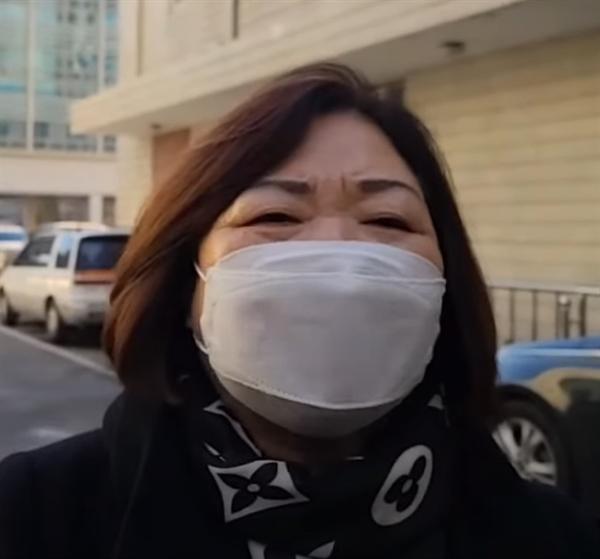 안소현씨와 윤석열 총장의 장모 최은순씨는 현재 사문서 위조(통장잔고 증명서 위조) 등으로 재판받고 있다.