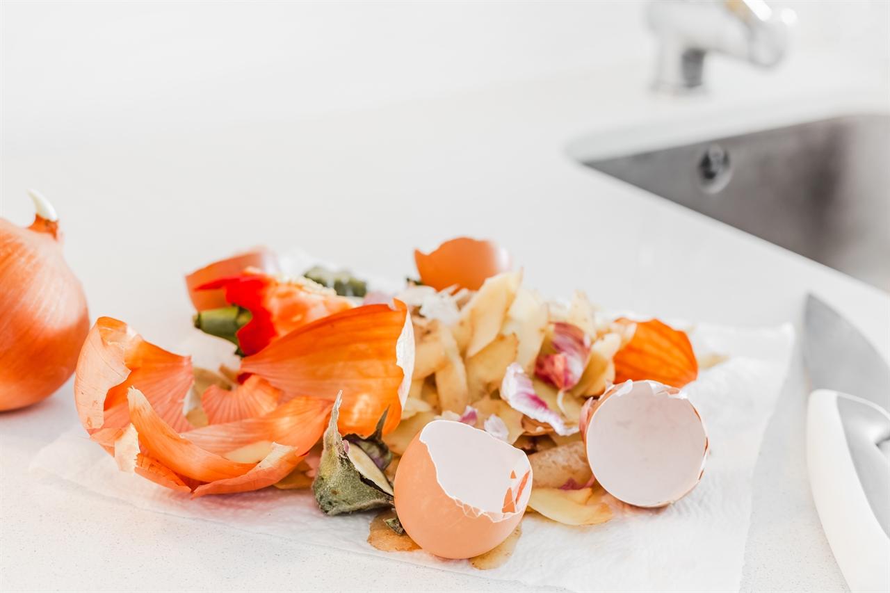 가정 쓰레기를 퇴비로 활용할 수 있다.