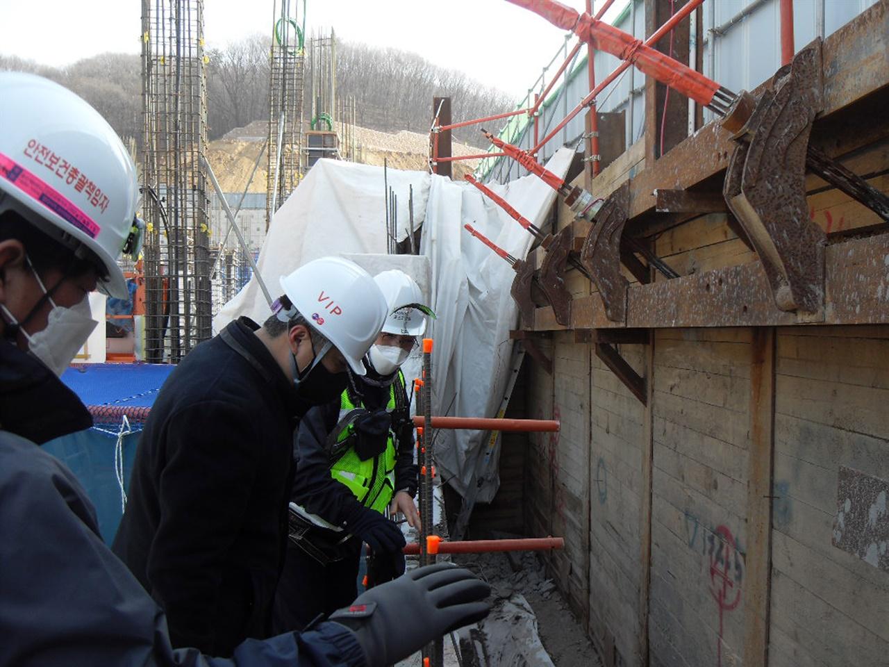 경기 용인시가 봄철 해빙기를 맞아 낙석·붕괴사고 위험이 높은 급경사지 및 공사장 등 취약시설 86곳에 대한 안전점검에 들어간다.