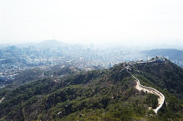 인왕산 성곽길 풍경