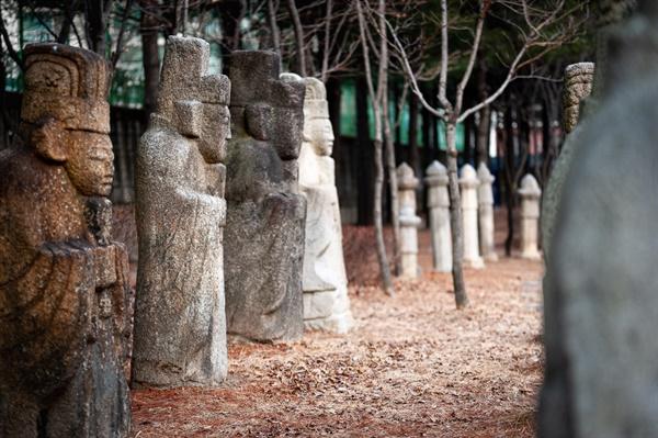 비석골근린공원, 초안산