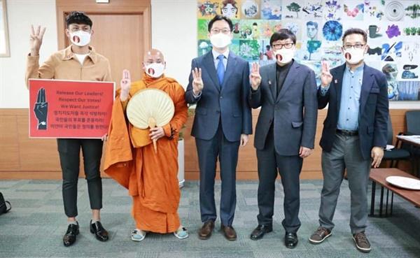 """김경수 지사 """"미얀마 국민들의 민중항쟁 지지한다"""""""