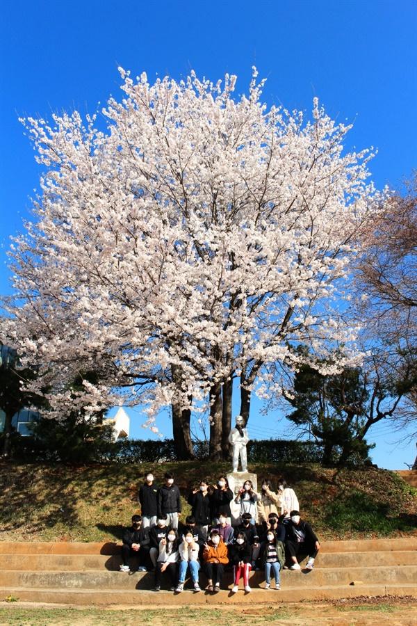 강화도에 있는 꿈틀리에 봄이 왔어요.