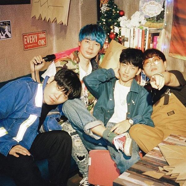 밴드 알라리깡숑. 왼쪽부터 조희원, 지용희, 이승윤, 랑세.