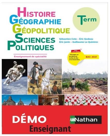 프랑스 고등학교 3학년 사회교과군 교과서 표지 교과서 한권에 역사와 지리와 지리정치와  정치과학의 내용이 한 권의 교과서에 편성되어 있다