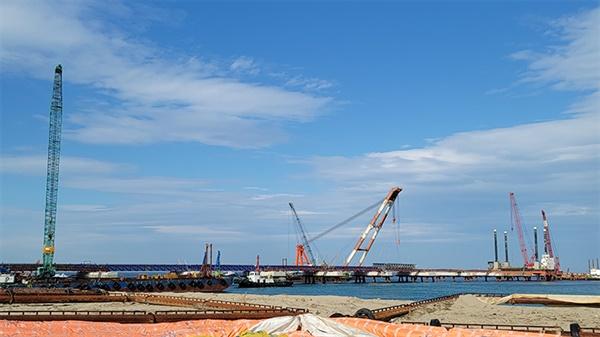 삼성물산이 시공사인 강릉안인석탄화력발전소는 2080MW(1040MW X 2기)급 발전용량으로, 공사기간은 2018년 3월~2022년 6월까지이며, 총 공사비는 5조6천억원이다. 3월말 기준 공정률은 70%다.