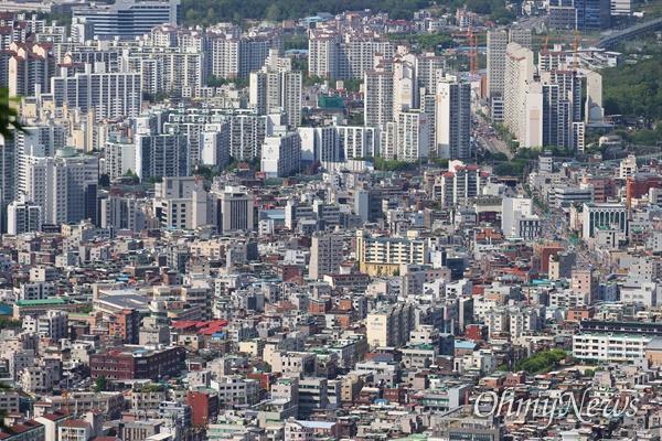 다세대주택과 아파트가 섞여 있는 서울 강북지역 주택가.