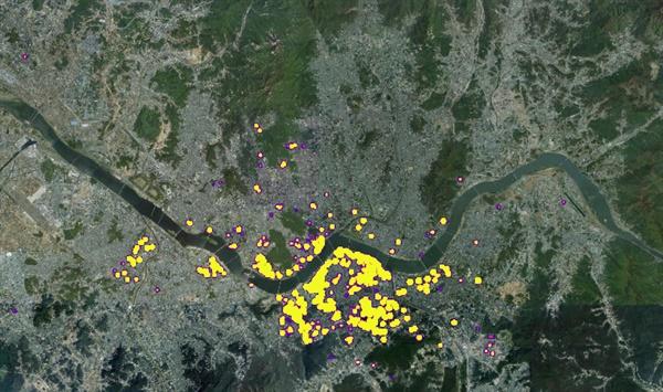 위성지도에 공동주택 공시가격 기준 상위 1% 주택(2020년 기준)을 히트맵으로 표시했다. 공시가격 상위 1% 이내 아파트 중 85%(11만7854호)는 역시 강남 3구에 밀집해 있다. 서울 강남구가 5만7743호로 가장 많았고, 이어 서초구 3만8609호, 송파구 2만1502호였다.