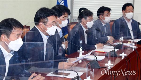 더불어민주당 윤호중 원내대표가 10일 국회에서 열린 정책조정회의에 발언하고 있다.