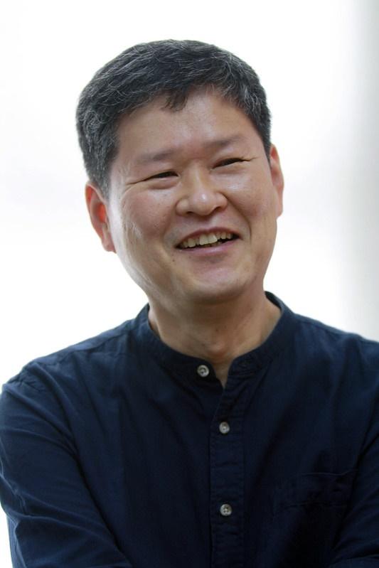 <쫌 앞서가는 가족> 저자 김수동 씨